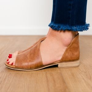 Shoes - QWENN Cut Out Flats